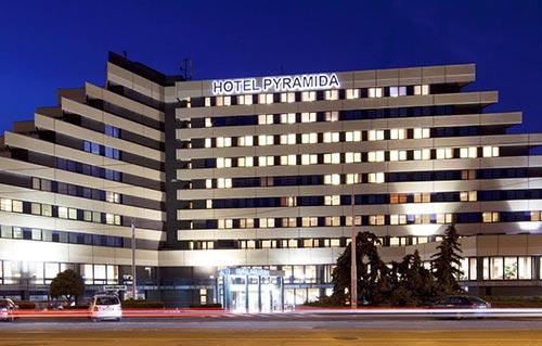 Booking Orea Hotel Pyramida